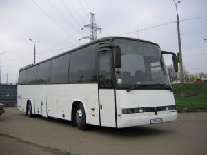 Заказать белый автобус Мерседес до 60 мест для перевозки