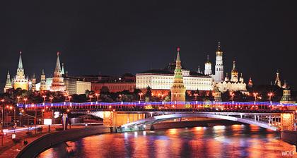 Аренда автобусов для ночных экскурсий по Москве