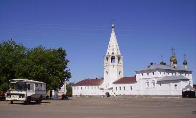 По Золотому кольцу России на комфортабельных автобусах