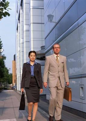 Арендовать микроавтобус для встречи деловых партнеров