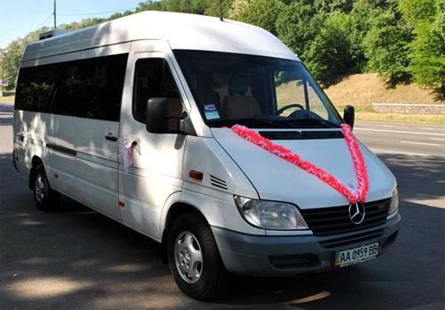 Аренда микроавтобуса Мерседес-спринтер до 18 мест (микроавтобус белого цвета)