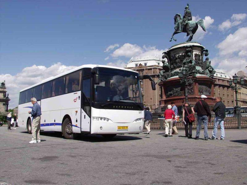 Аренда автобуса для поездки из Москвы в Санкт-Петербург