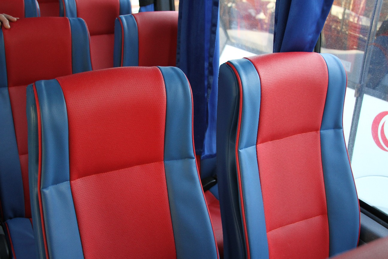 Аренда автобуса Foxbus (на 31 место): вид снаружи